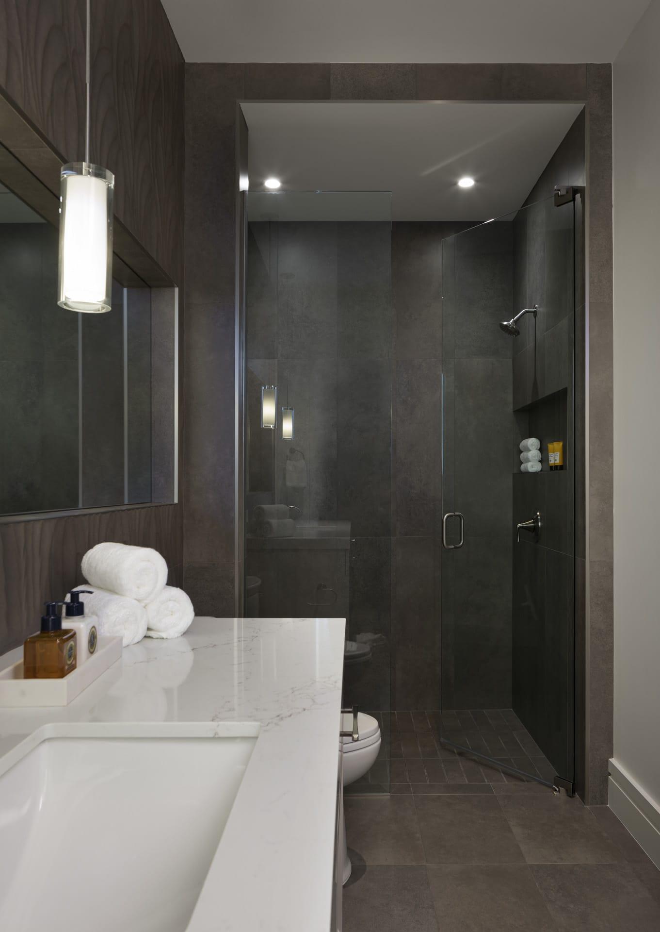 Port Royal Home - Guest Bathroom
